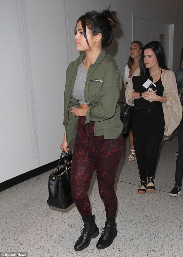 Selena Gomez leaving LAX Photo: Splash News