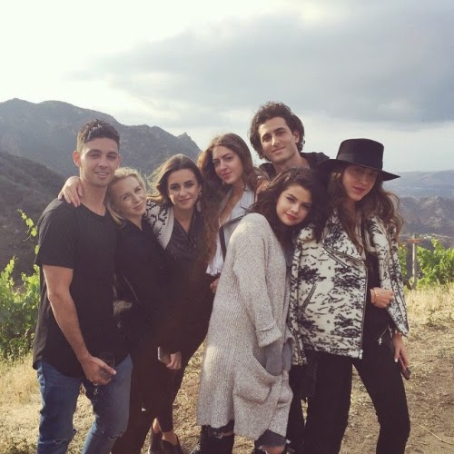 Selena Gomez visits vineyard