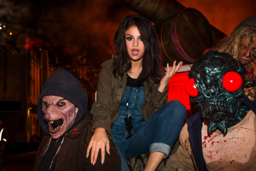 Selena gomez Halloween Horror Night Universal City