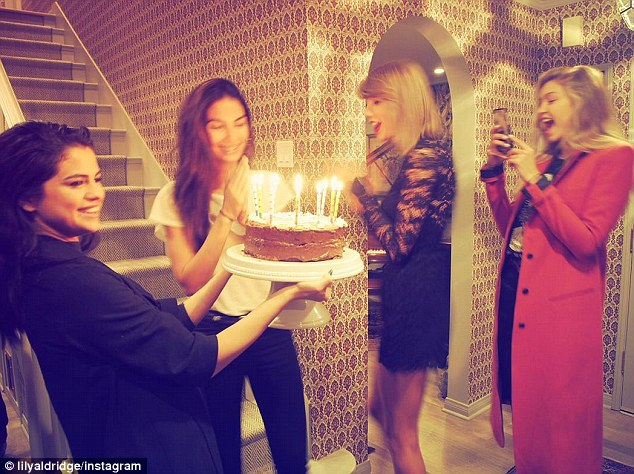 Magnificent Selena Gomez And Taylor Swift At Lily Aldridges Birthday Party Funny Birthday Cards Online Inifodamsfinfo
