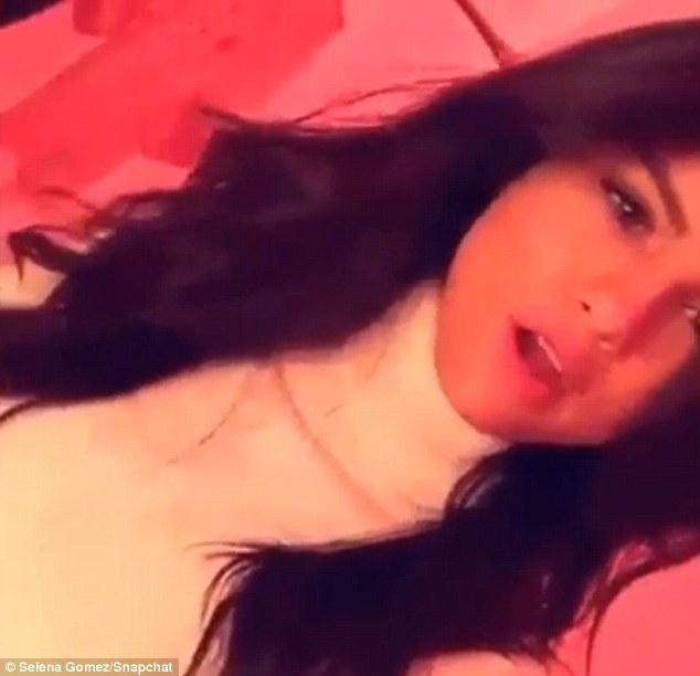 Photo: Snapchat - SelenaGomez