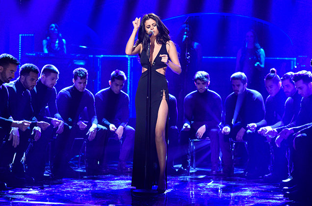 Selena-Gomez-black cut out gown SNL-performance-2016 photo Dana Edelson NBC