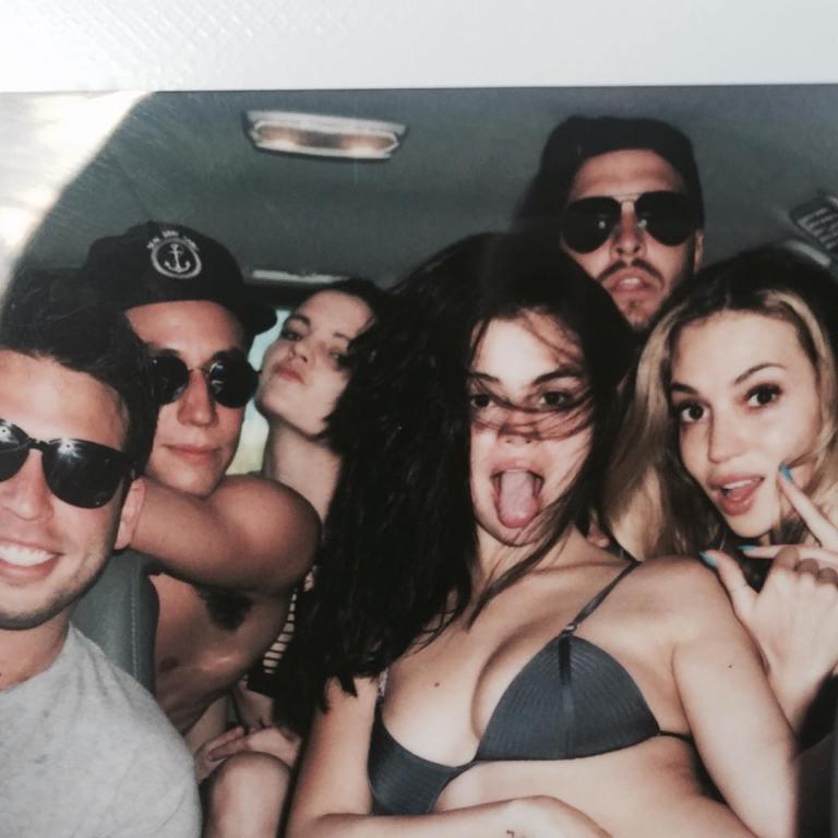 Selena gomez grey bikini Costa rica 2015