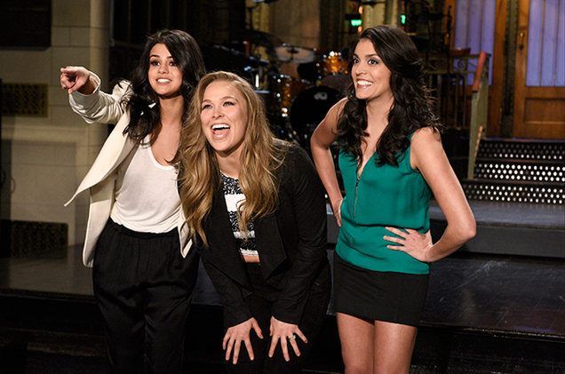 selena-gomez-white jacket and t-shirt Saturday Night Live 2016