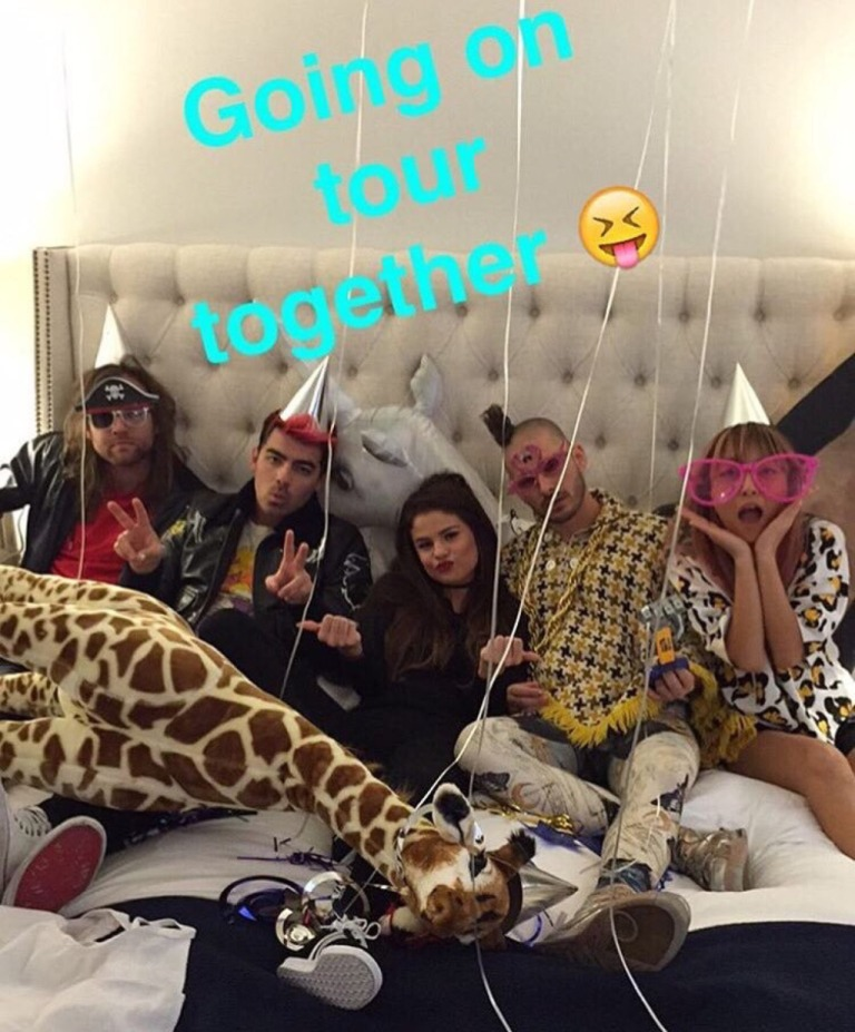 Selena Gomez and DNCE on tour photo Snapchat Joe Jonas