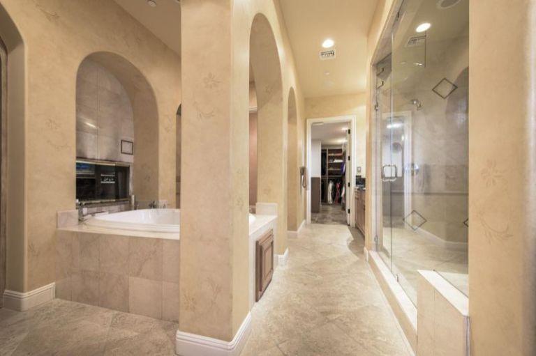 Selena gomez master bathroom
