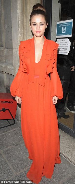 Selena Gomez orange gown PAris 2016 photo Fameflynet uk com