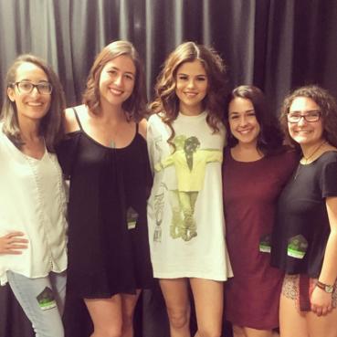 Selena Gomez Bon Jovi t-shirt Fresno meet and greet