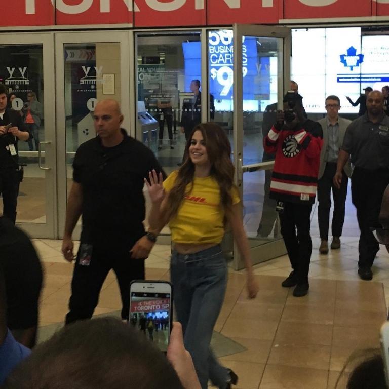 Selena Gomez DHL t-shirt
