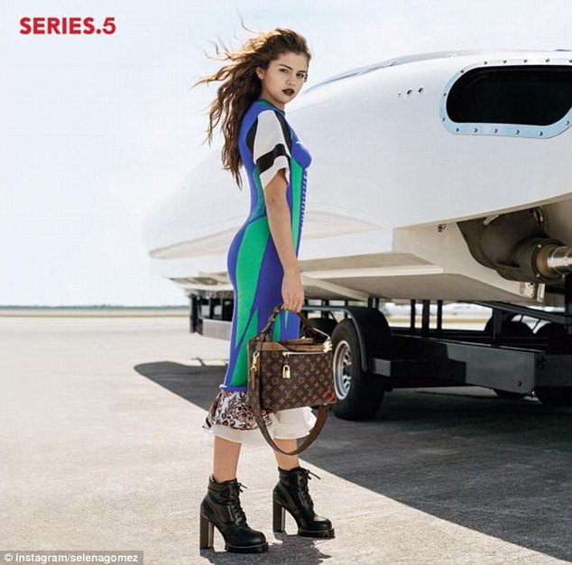 Selena gomez blue and white stripe dress airport photo instagram selenagomez