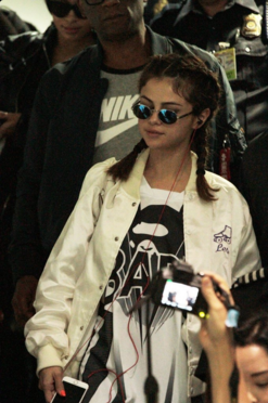 ... Selena Gomez white satin bomber jacket Philippines photo inquireredotnet 9434d5ffc