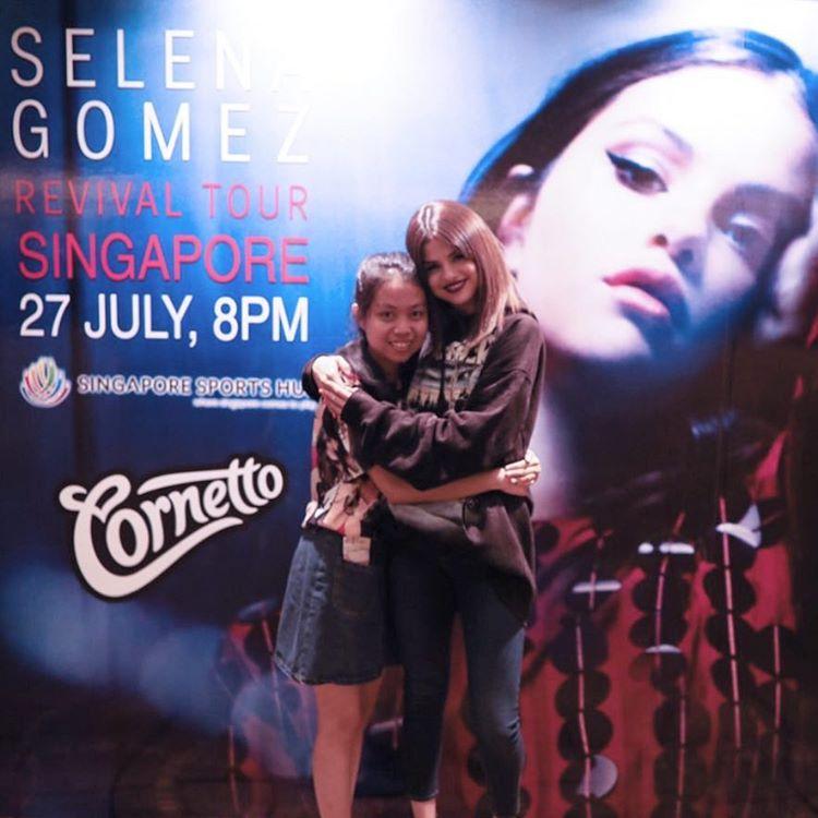 Selena Gomez style black hoodie Singapore Revival Tour  photo iamlindsayg