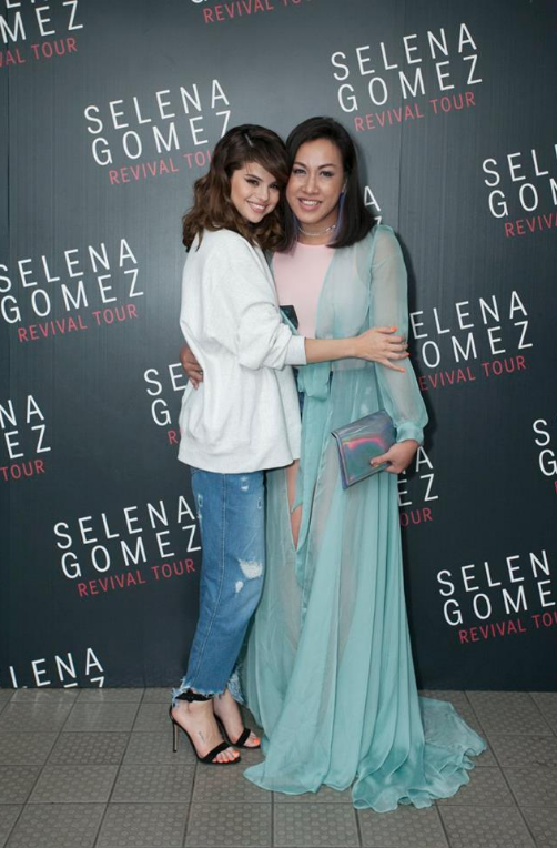 Selena Gomez white sweatshirt Nanthaburi meet and greet Revival Tour