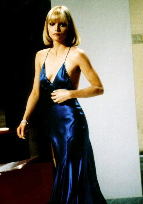 michelle-pfeiffer-in-scarface