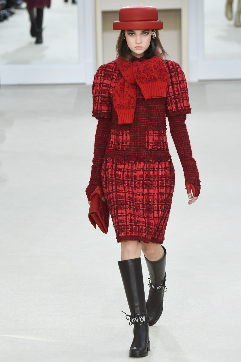 chanel-fall-2016-red-tweed-coat