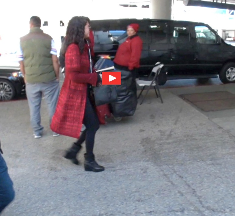 PREMIUM EXCLUSIVE Selena Gomez gets out of town without The Weekend