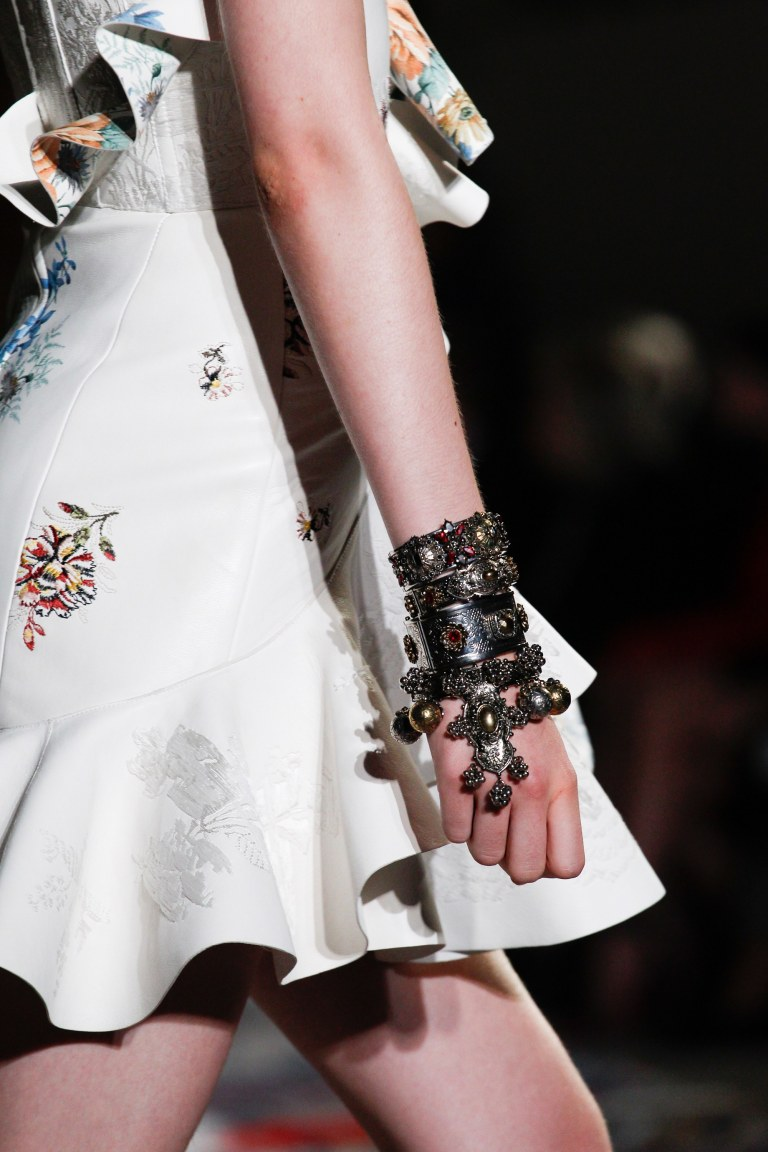 Alexander McQueen Spring 2017 cuff detail photo Kim Weston arnold Indigital tv