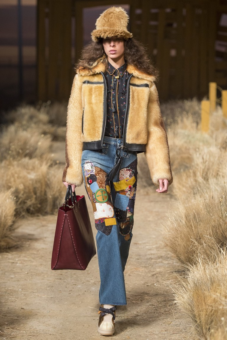 Coach Fall 2017 patchwork jeans ditsy black top fur jacket photo Umberto Fartini Indigital tv