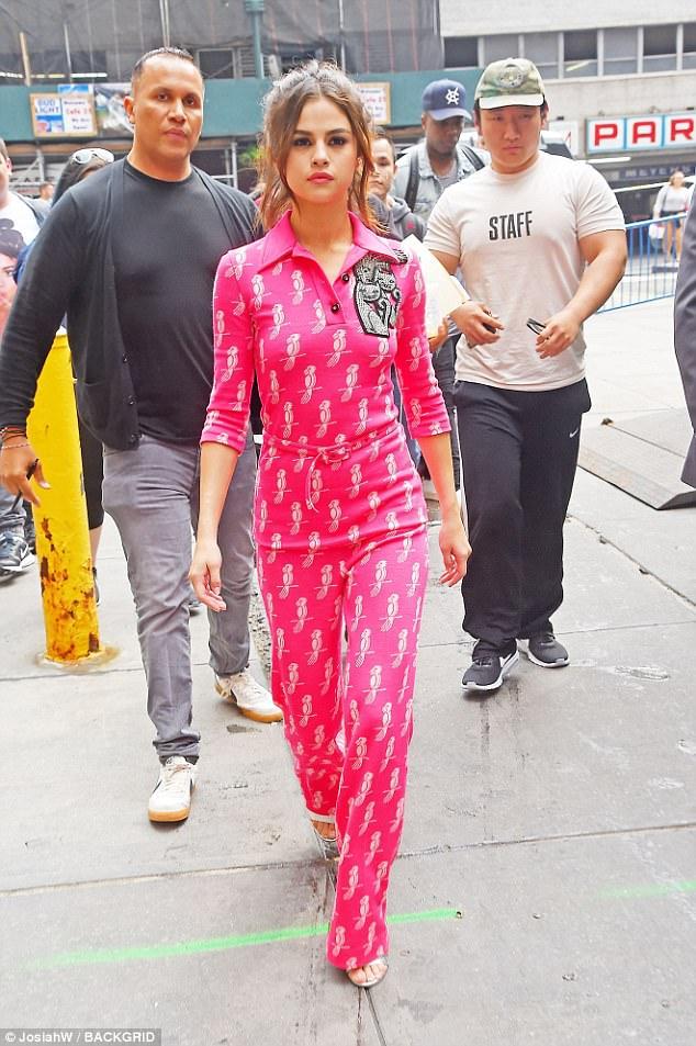 Selena Gomez pink jumpsuit New York 5 June 2017 photo JosiahW BACKGRID