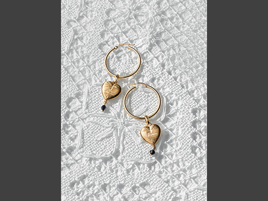 dolce-and-gabbana-jewellery-gold-earrings-heart-pendants-black-jade-share2
