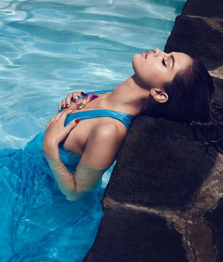 Selena Gomez blue dress swimming pool InStyle September 2017 photo Phil Poynter