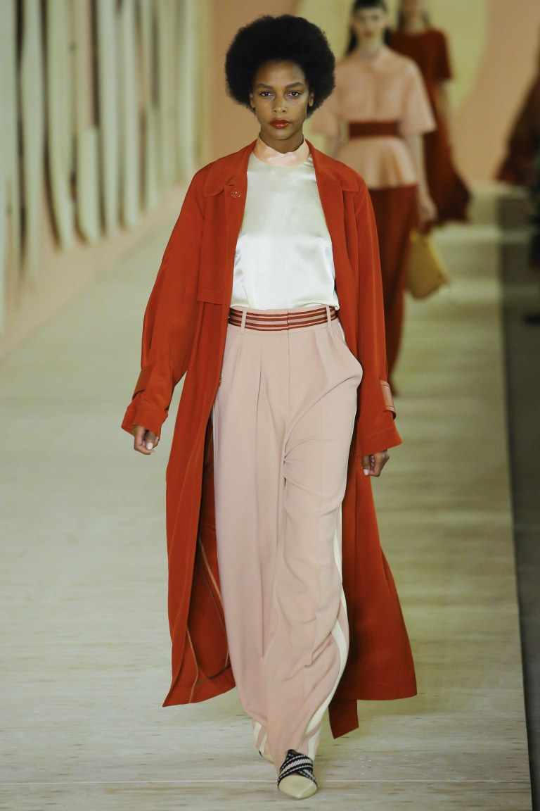 Roksanda Ilincic Spring 2017 red coat