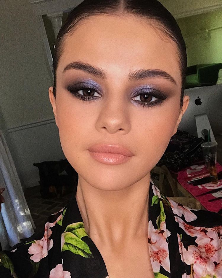 Selena Gomez purple eye make-up InStyle Awards photo Hung Vanngo