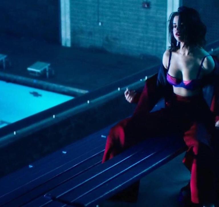 Selena Gomez pink bra red trousers wolves video November 2017