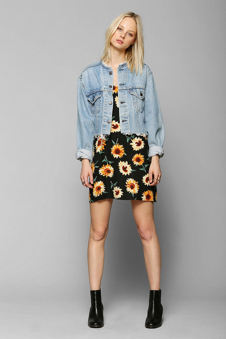 urban-outfitters-blue-urban-renewal-cropped-denim-jacket-product-1-16527621-3-751405488-normal