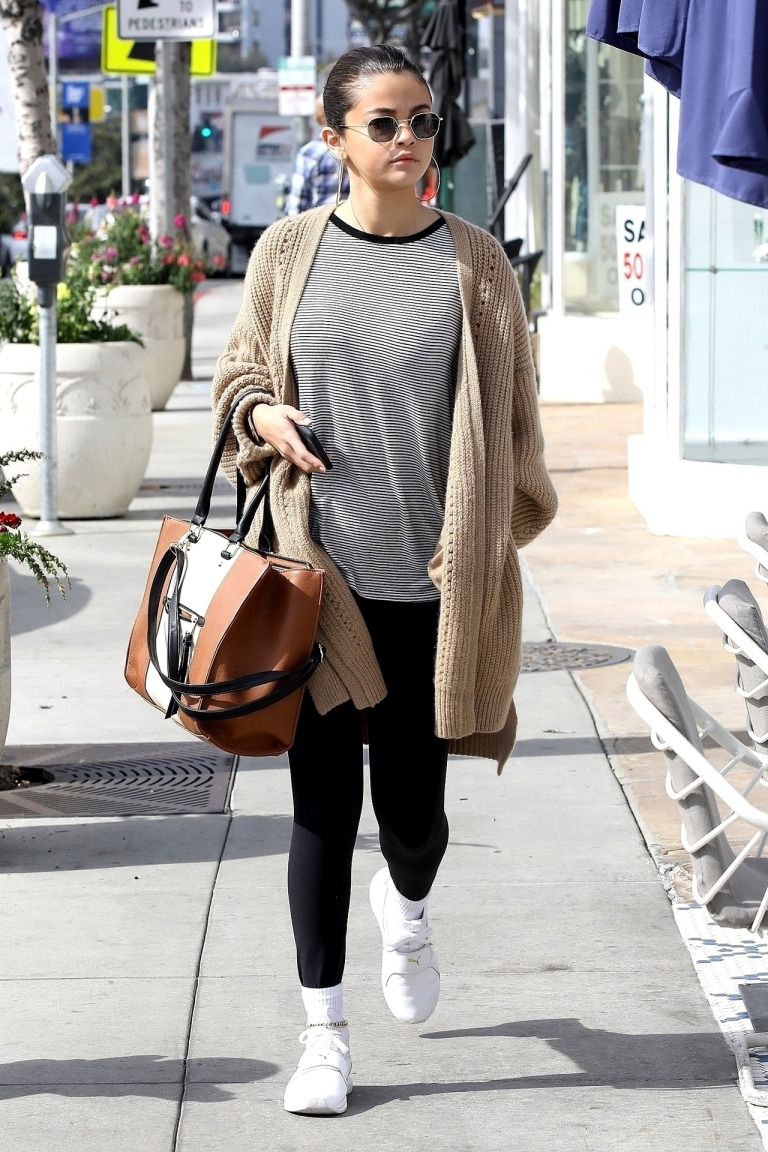 Selena Gomez style clothe outfit blog beige cardigan white sneakers LA MArch 8 2018